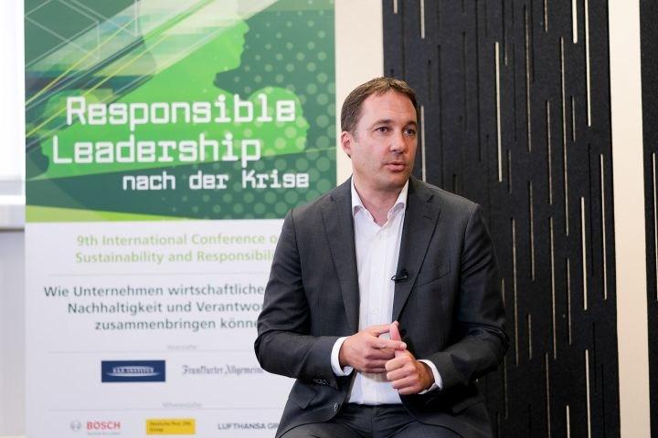 18-1609_Responsible-Leadership_1139_1239